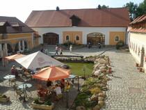 renovierter Gutshof in Tschechien - Motorrad-Helden
